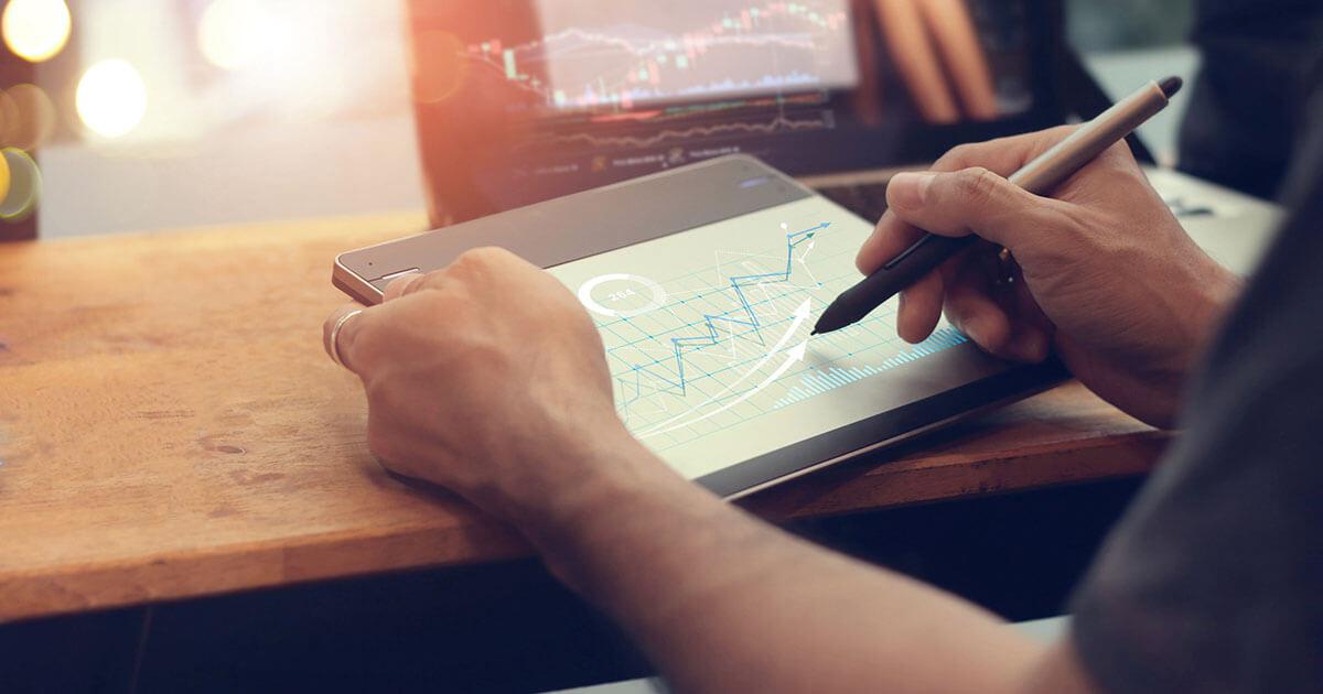 10 Key <strong>Digital Trends</strong><br> for 2021″></noscript> </div> </div> </section> </div> <div class=